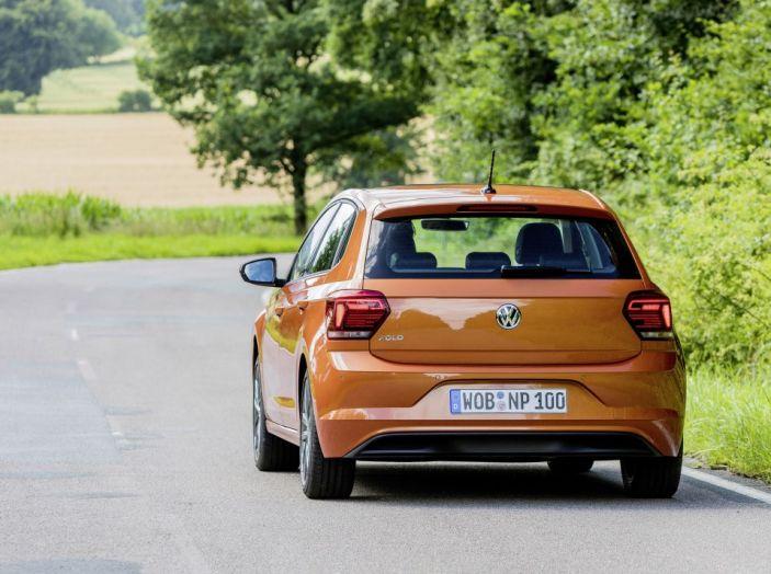 Nuova Volkswagen Polo 2018: prova su strada, motori e prezzi - Foto 10 di 34