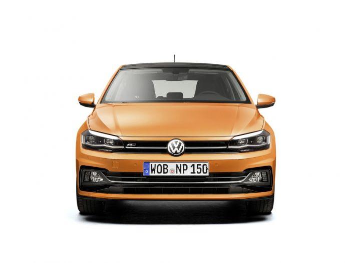 Nuova Volkswagen Polo 2018: prova su strada, motori e prezzi - Foto 18 di 34