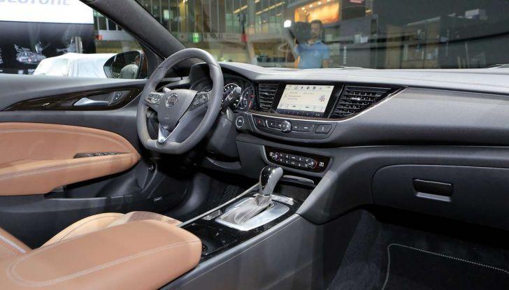 Opel Insignia Country Tourer, la versione per tutti i terreni - Foto 7 di 13