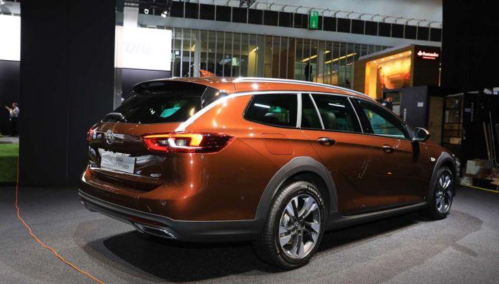 Opel Insignia Country Tourer, la versione per tutti i terreni - Foto 11 di 13