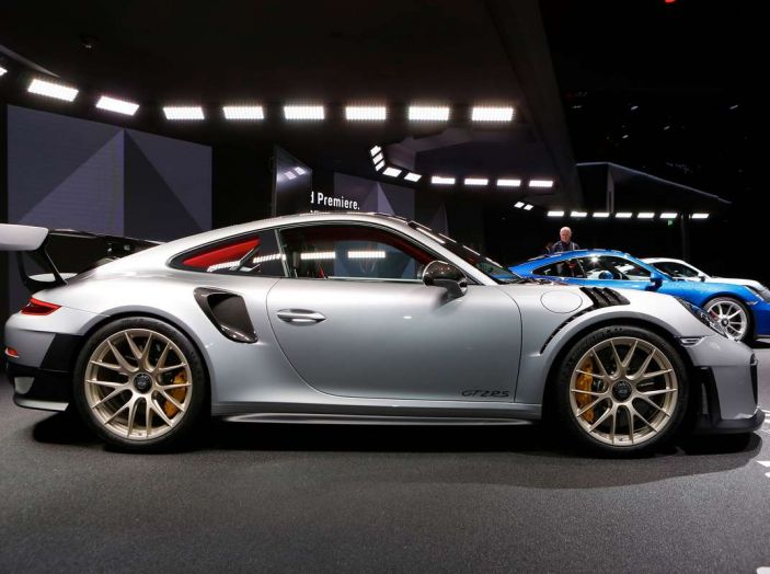 Porsche 911 GT2 RS - Foto 5 di 10