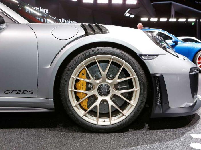 Porsche 911 GT2 RS - Foto 4 di 10