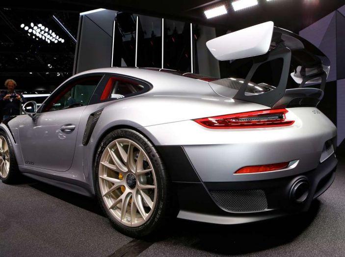 Porsche 911 GT2 RS - Foto 2 di 10
