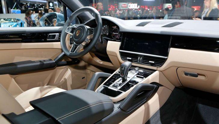Nuova Porsche Cayenne, arriva la terza generazione del SUV tedesco - Foto 6 di 13