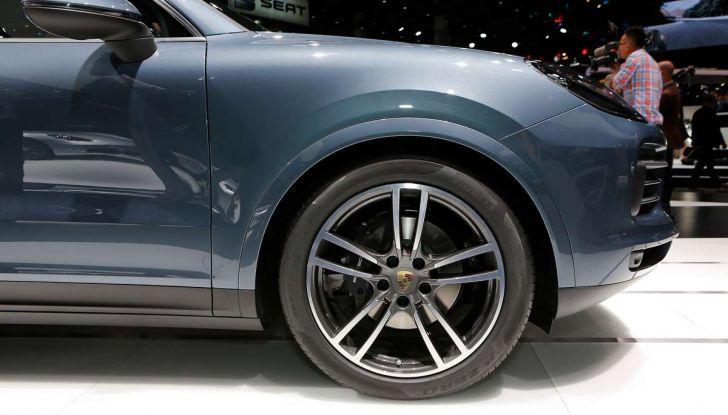 Nuova Porsche Cayenne, arriva la terza generazione del SUV tedesco - Foto 7 di 13