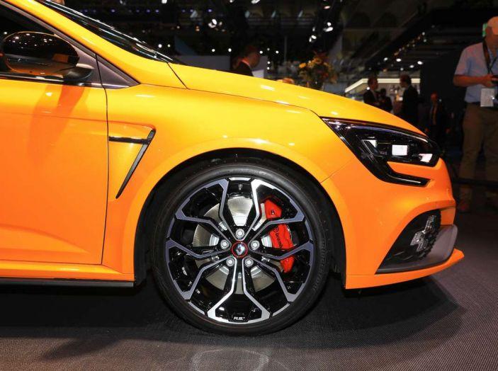 Renault Megane RS MY 2018: i test su strada della hatchback sportiva - Foto 9 di 19