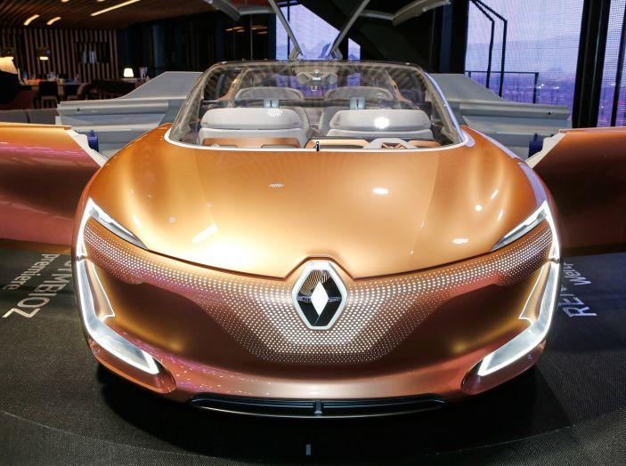 Renault Symbioz, concept per la mobilità del futuro - Foto 2 di 13