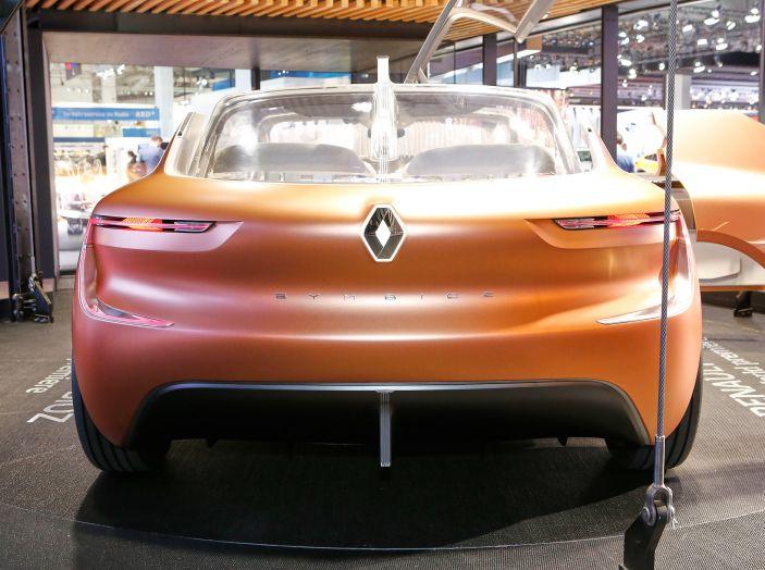 Renault Symbioz, concept per la mobilità del futuro - Foto 3 di 13
