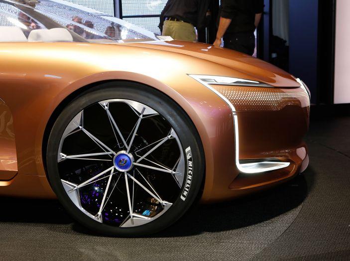 Renault Symbioz, concept per la mobilità del futuro - Foto 5 di 13