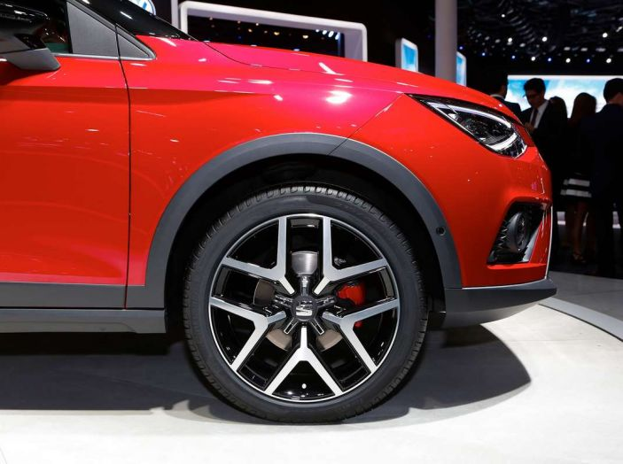 Seat Arona: i dettagli del nuovo SUV compatto prodotto a Martorell - Foto 10 di 12