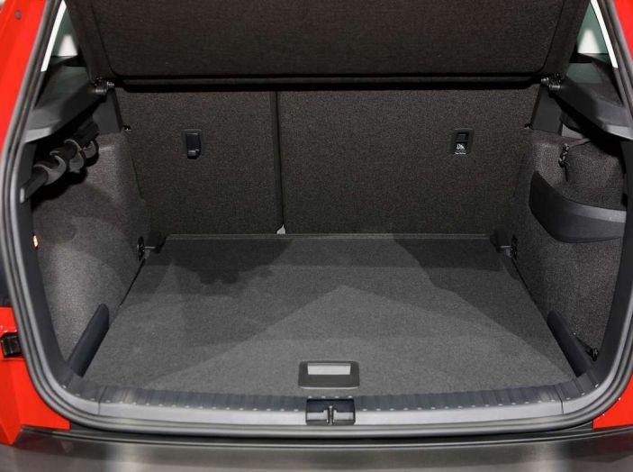 Skoda Karoq: il SUV compatto con nuovi motori e tanto spazio - Foto 14 di 15