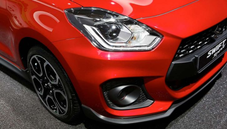 Nuova Suzuki Swift Sport 2017, dettagli, prezzi e motori - Foto 3 di 12