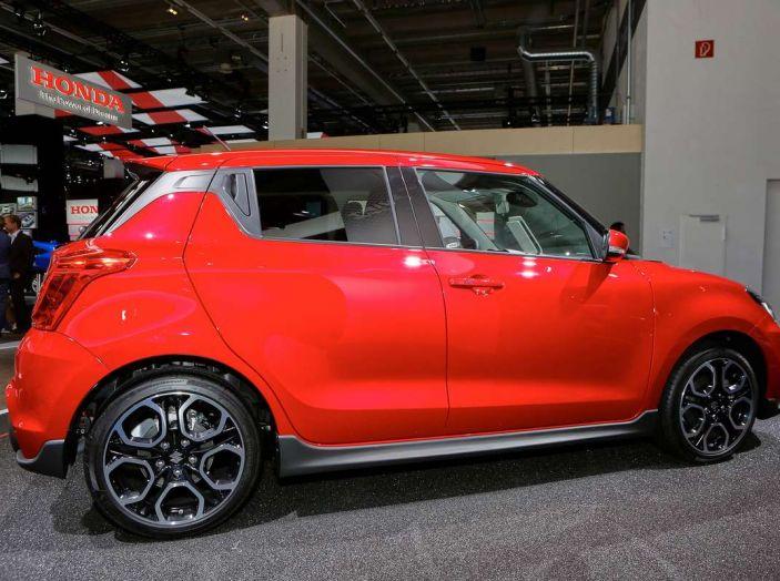Nuova Suzuki Swift Sport 2017, dettagli, prezzi e motori - Foto 4 di 12