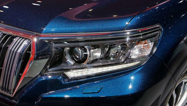 Toyota Land Cruiser 2018: il SUV body-on-frame per tutti i terreni - Foto 13 di 15