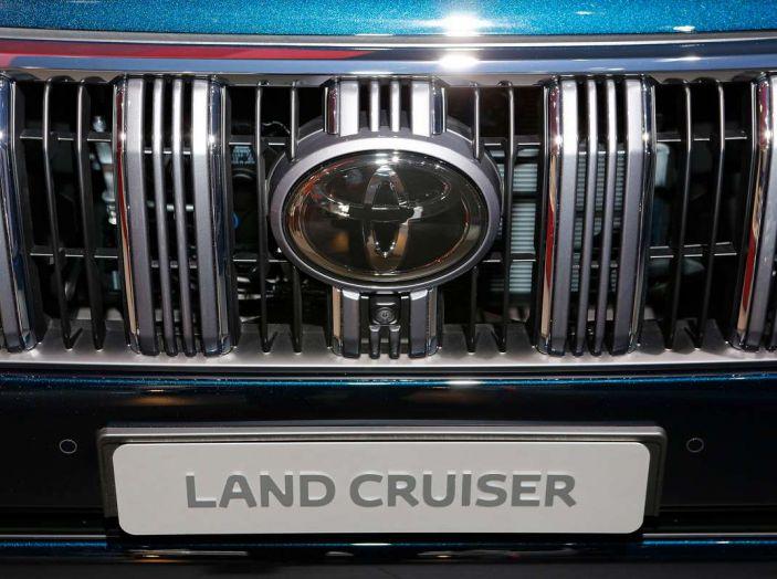 Toyota Land Cruiser 2018: il SUV body-on-frame per tutti i terreni - Foto 15 di 15