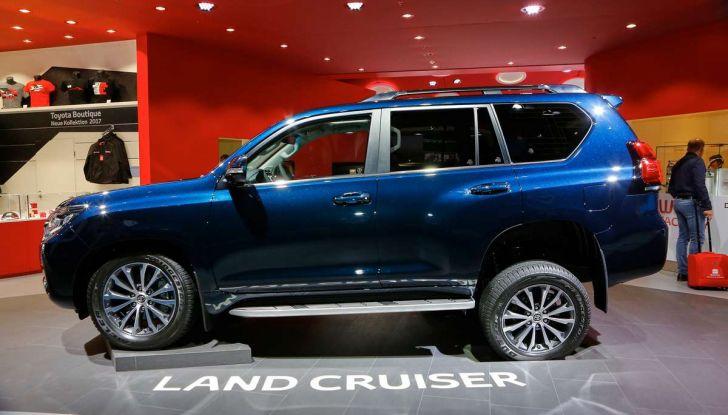 Toyota Land Cruiser 2018: il SUV body-on-frame per tutti i terreni - Foto 4 di 15