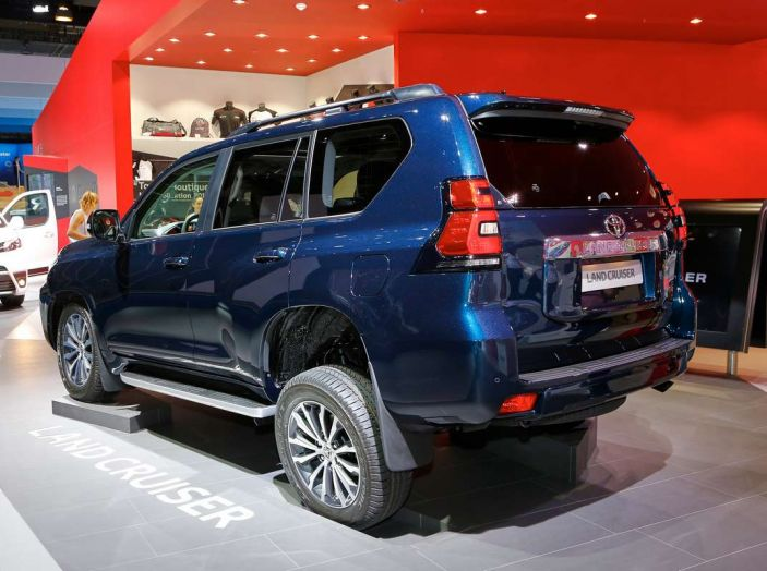 Toyota Land Cruiser 2018: il SUV body-on-frame per tutti i terreni - Foto 5 di 15