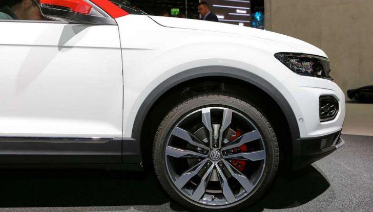Volkswagen T-Roc Edition 190, edizione limitata prenotabile online da 35.000 euro - Foto 4 di 11