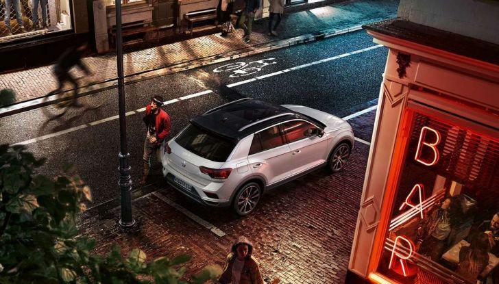 Volkswagen T-Roc Edition 190, edizione limitata prenotabile online da 35.000 euro - Foto 2 di 11