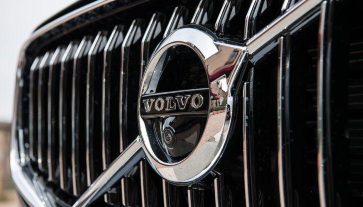 Volvo XC60 2017: Prova su strada, opinioni e prezzi del SUV svedese - Foto 4 di 35