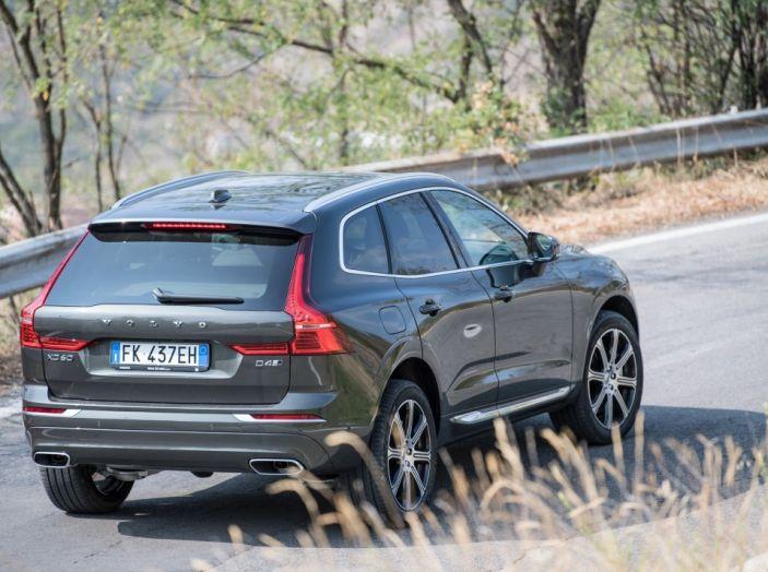 Volvo XC60 2017: Prova su strada, opinioni e prezzi del SUV svedese - Foto 21 di 35