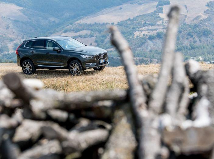 Volvo XC60 2017: Prova su strada, opinioni e prezzi del SUV svedese - Foto 24 di 35