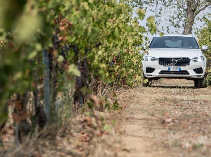 Volvo XC60 2017: Prova su strada, opinioni e prezzi del SUV svedese - Foto 14 di 35