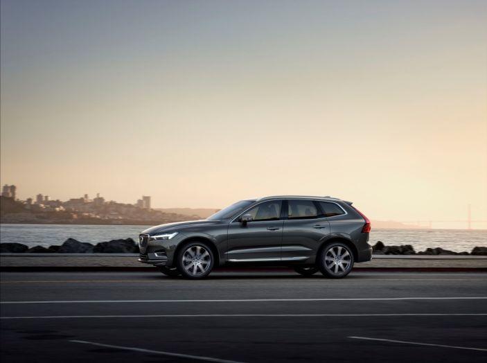 Volvo XC60 2017: Prova su strada, opinioni e prezzi del SUV svedese - Foto 32 di 35