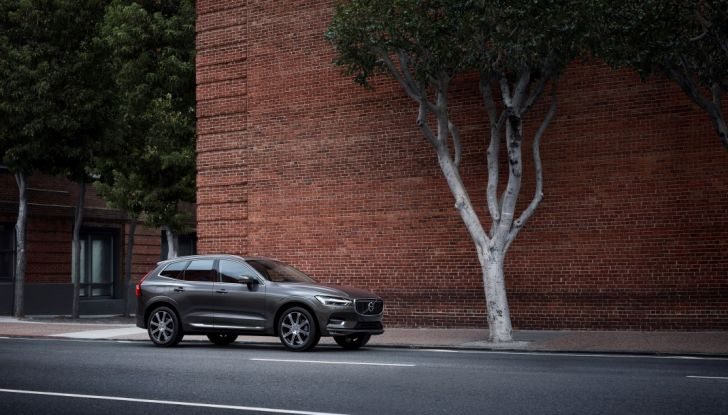 Volvo XC60 2017: Prova su strada, opinioni e prezzi del SUV svedese - Foto 8 di 35