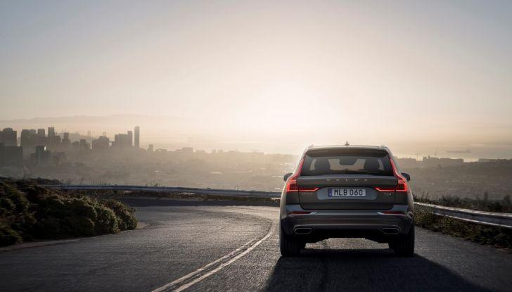 Volvo XC60 2017: Prova su strada, opinioni e prezzi del SUV svedese - Foto 9 di 35