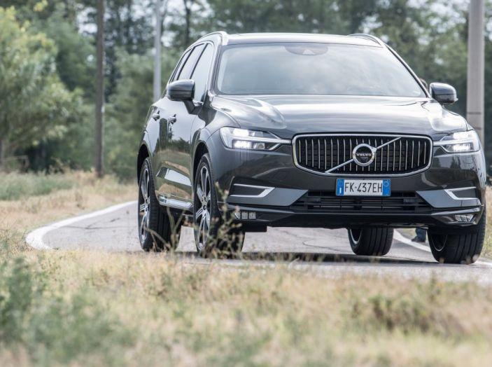 Volvo XC60 2017: Prova su strada, opinioni e prezzi del SUV svedese - Foto 2 di 35