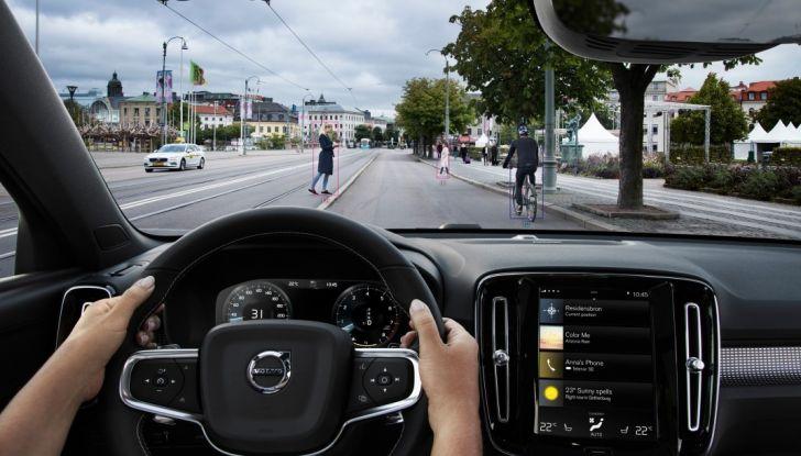Volvo XC40 2018, arriva il crossover compatto del marchio svedese - Foto 22 di 28