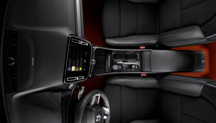 Volvo XC40 2018, arriva il crossover compatto del marchio svedese - Foto 15 di 28