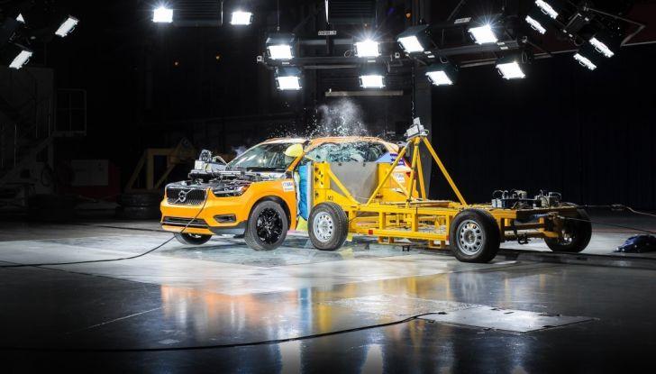 Volvo XC40 2018, arriva il crossover compatto del marchio svedese - Foto 20 di 28