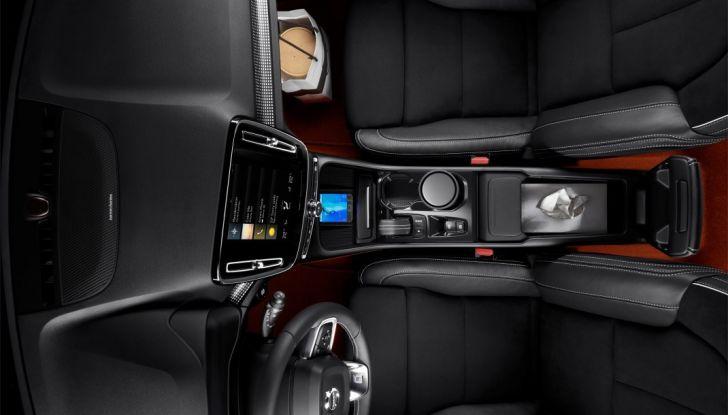 Volvo XC40 2018, arriva il crossover compatto del marchio svedese - Foto 26 di 28