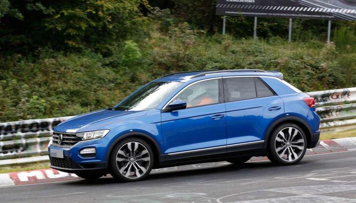 Volkswagen T-Roc R, la versione sportiva del SUV compatto - Foto 7 di 11
