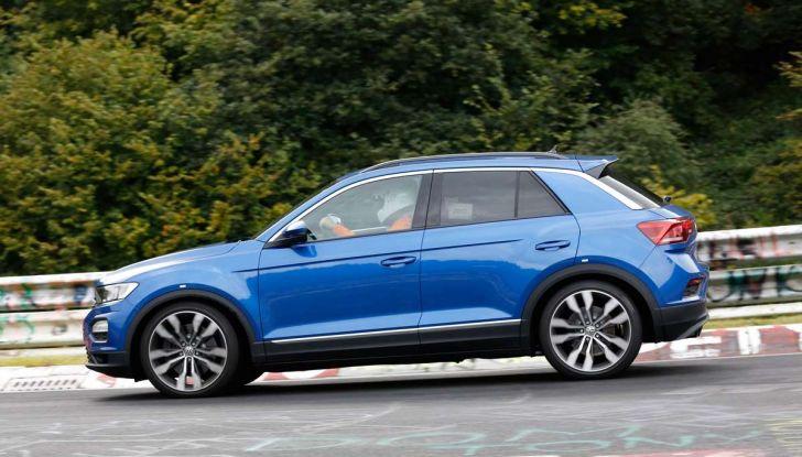 Volkswagen T-Roc R, la versione sportiva del SUV compatto - Foto 8 di 11