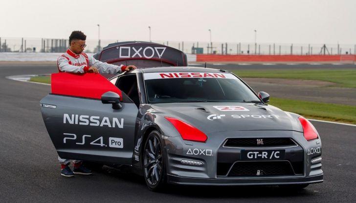 La Nissan GT-R si guida con la Playstation 4 - Foto 2 di 19