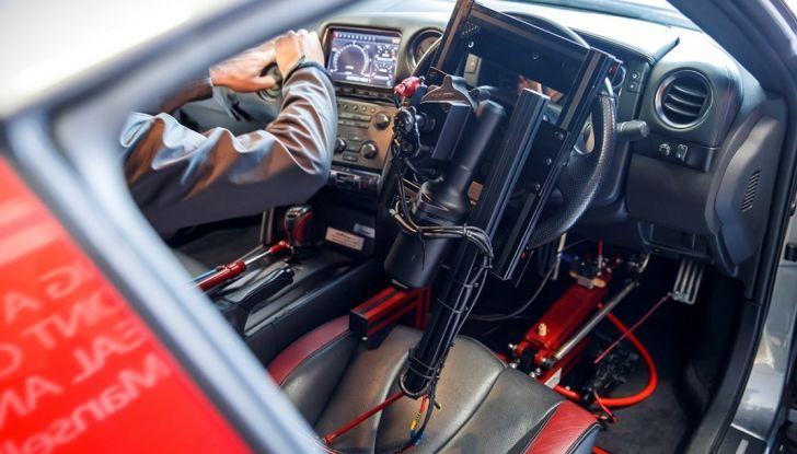 La Nissan GT-R si guida con la Playstation 4 - Foto 16 di 19