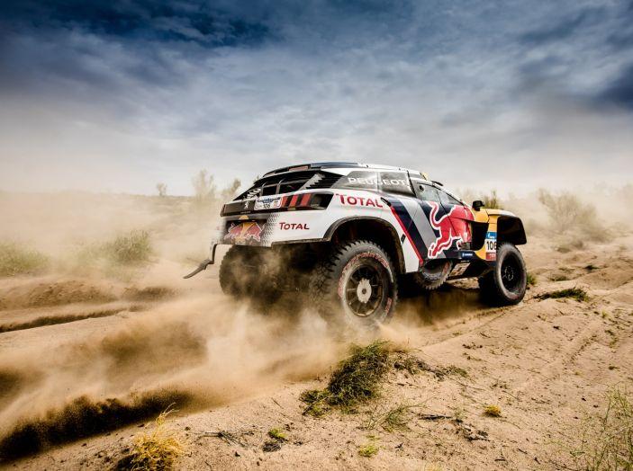 Rally del Marocco – Loeb porta a casa la prima vittoria per Peugeot - Foto 1 di 2