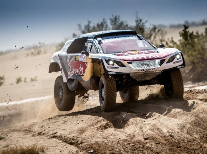Rally del Marocco- Doppio podio Peugeot 3008DKR con Sainz e Loeb - Foto 2 di 3