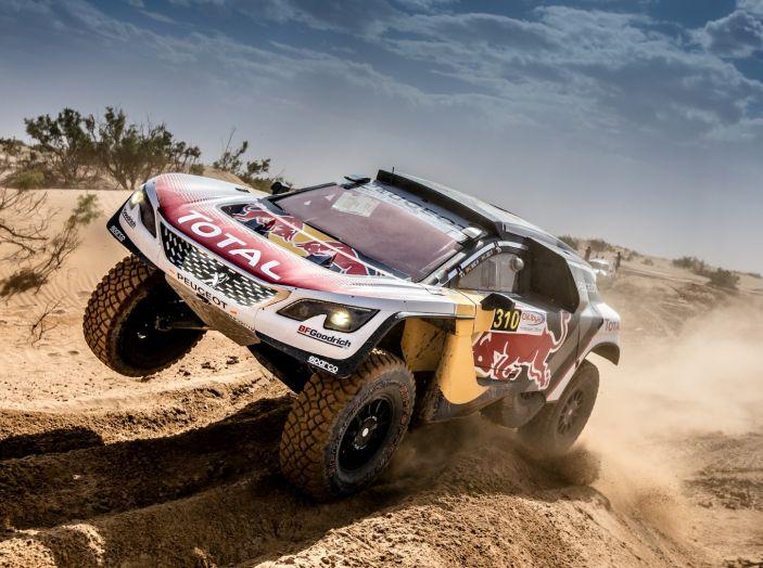 Rally del Marocco- Doppio podio Peugeot 3008DKR con Sainz e Loeb - Foto 1 di 3