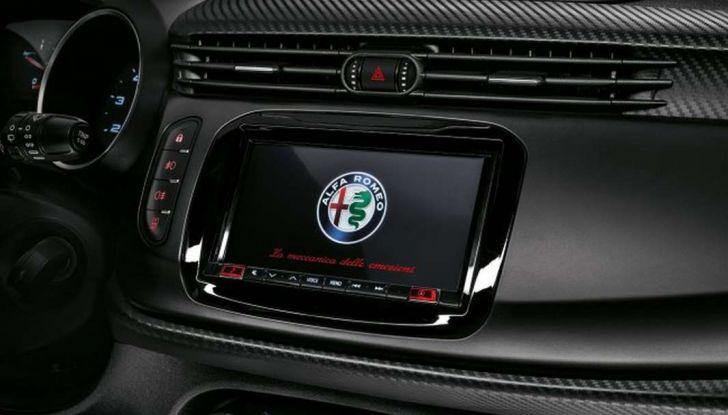 Nuova Alfa Romeo Giulietta con allestimenti Pack Tech e Pack Carbon Look - Foto 7 di 9