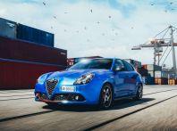 Nuova Alfa Romeo Giulietta con allestimenti Pack Tech e Pack Carbon Look