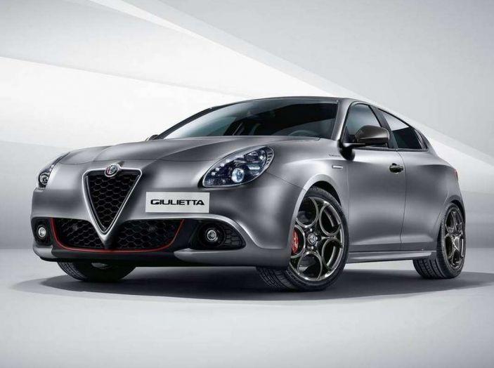 Alfa Romeo, la stampa USA celebra la crescita del marchio - Foto 12 di 18