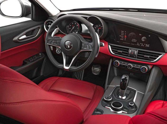 Alfa Romeo, la stampa USA celebra la crescita del marchio - Foto 13 di 18