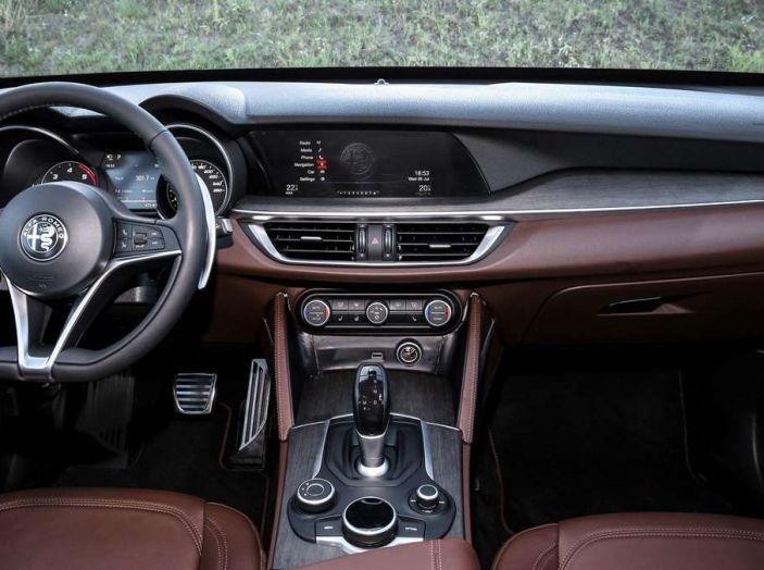 Alfa Romeo, la stampa USA celebra la crescita del marchio - Foto 8 di 18