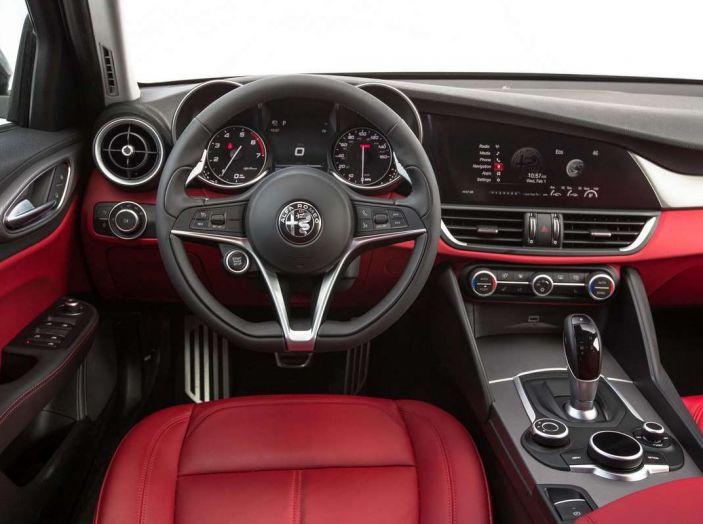 Alfa Romeo, la stampa USA celebra la crescita del marchio - Foto 10 di 18