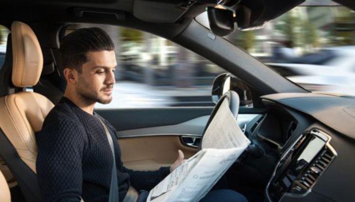 Auto a guida assistita e autonoma, cosa sono Autopilot e i livelli 1, 2, 3, 4 e 5 - Foto 7 di 10