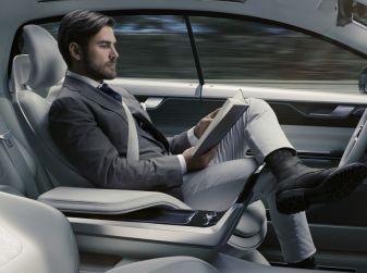 L'auto a guida autonoma in Italia è un sogno lontano